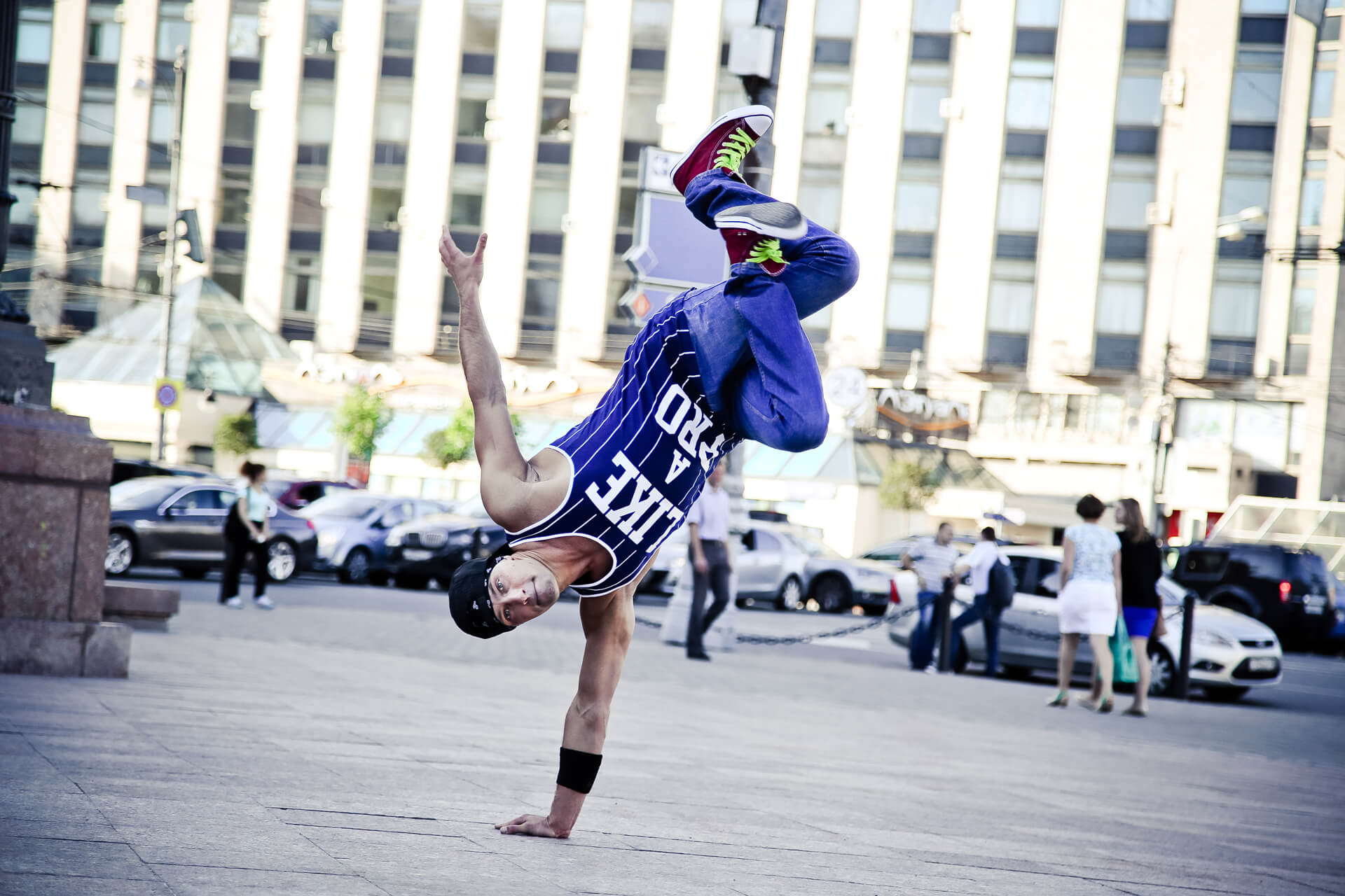 B-boy Monya power move, trix, acrobatics моня