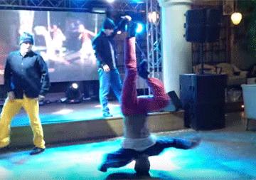 танец на голове